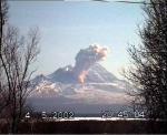 Газово-пепеловый выброс на влк. Шивелуч 4 мая 2002г. Фото Ю.В.Демьянчука