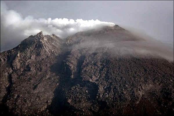 ожидается крупное извержение вулкана Мерапи