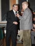 И.Н.Кочеров вручает награду А.А.Евсееву (директору геошколы в 1969-1976 годы). Фотография Алексея Зайцева.