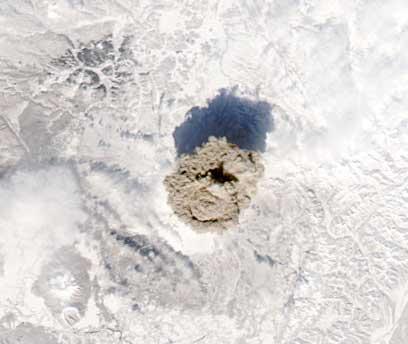 Фотография NASA, http://earthobservatory.nasa.gov/NaturalHazards/shownh.php3?img_id=14190